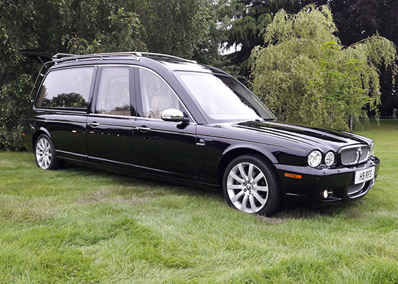 BLACK JAGUAR XJ 358 HEARSE (FACELIFT MODEL)