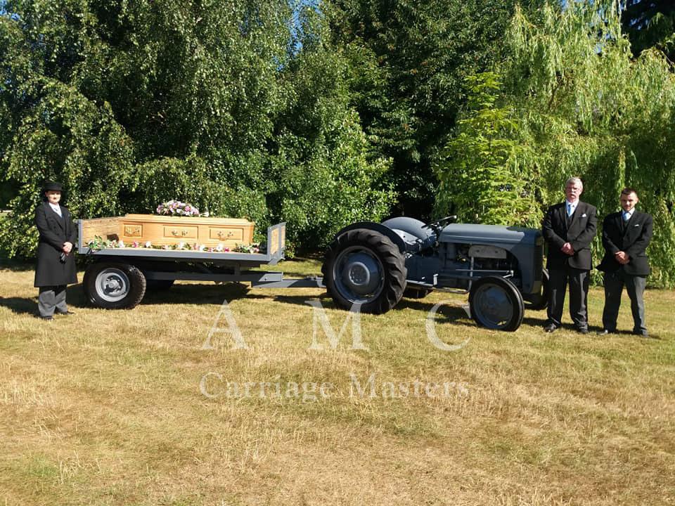 1948 Vintage Grey Ferguson Tractor and Trailer Bier